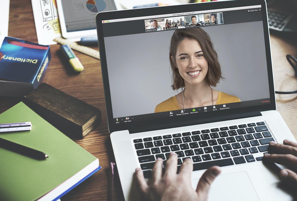 Zoom Yapay Zekâsı, Sizin İçin Toplantıların En İyi Anlarını Öne Çıkararak Kaydedecek