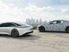 2022 model Mercedes EQS mümkün olan her yeri ekranlarla donatıyor