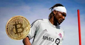 Bitcoin ile maaş alma kararını açıklayan Ifunanyachi Achara enflasyondan şikayetçi
