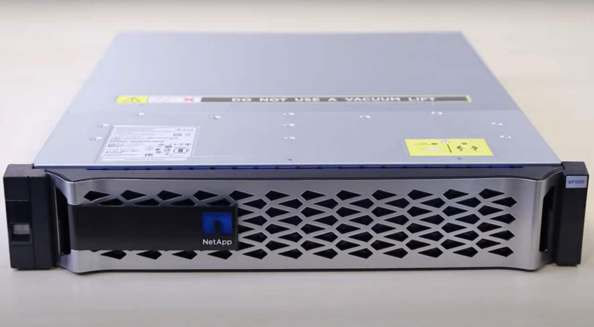 NetApp EF300