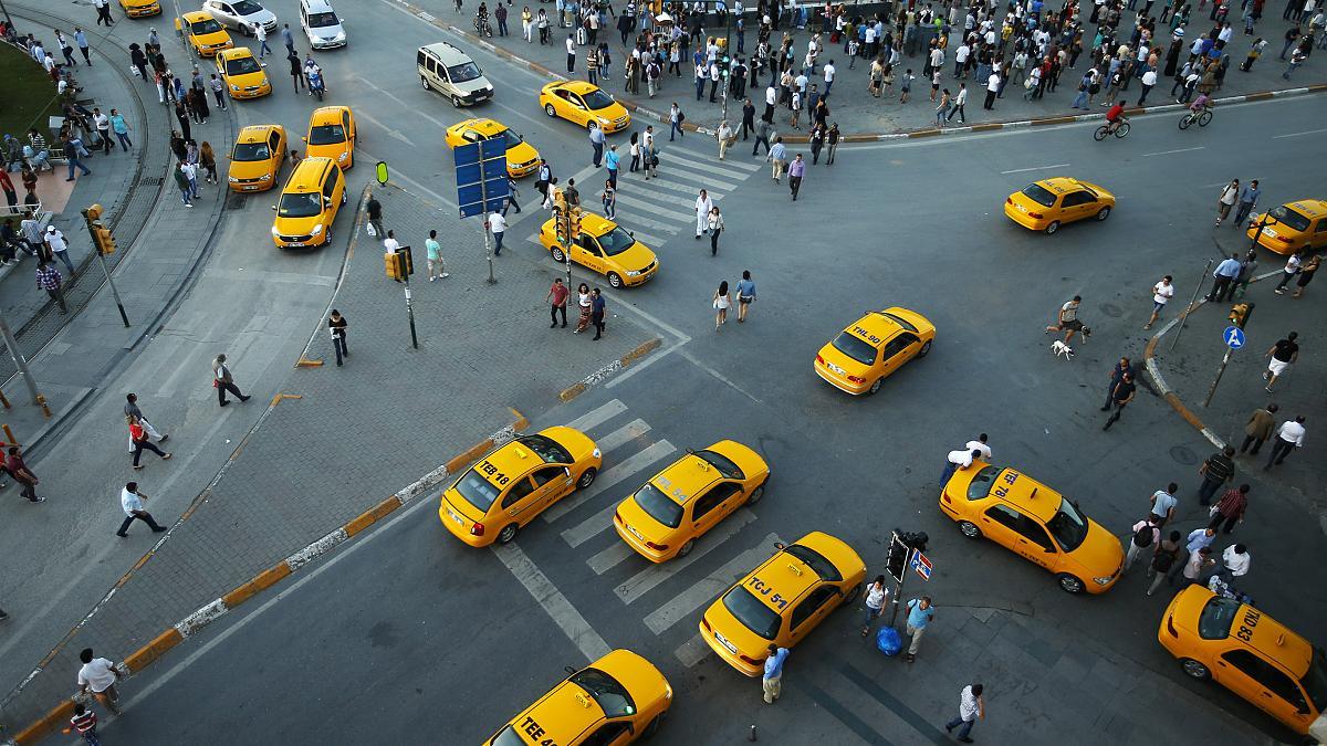 Taksi ve otobüsler kamera